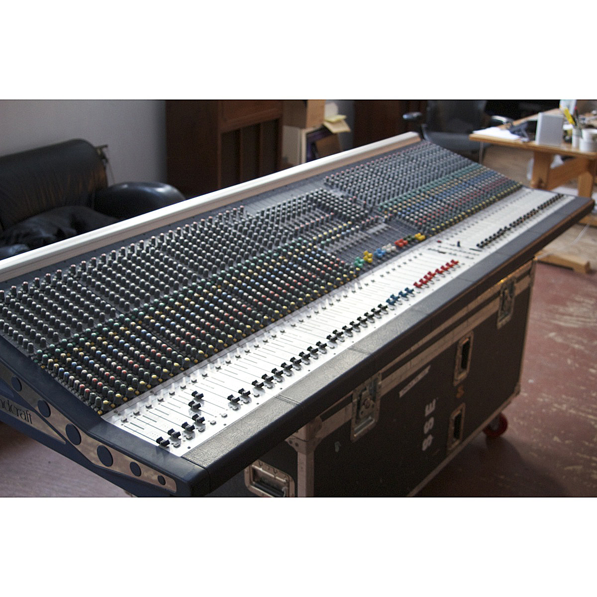 soundcraft mh3 live analog console used sonic circus. Black Bedroom Furniture Sets. Home Design Ideas