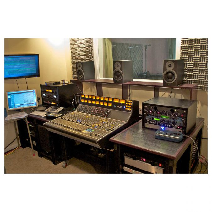 API 1608 32-Channel Recording Console Frame No EQ's