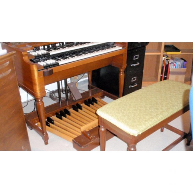 Hammond B3 With Lesli (Vintage)
